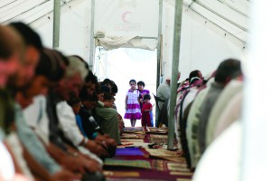 Syrian refugee children at tent used as a mosque at the Islahiye refugee camp in Hatay, Turkey 04 July 2012. JODI HILTON/IRIN